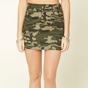 Camo mini skirt (used)